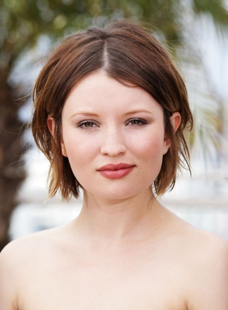 Emily Browning Bob Cut Hairstyles for Round Chubby Face
