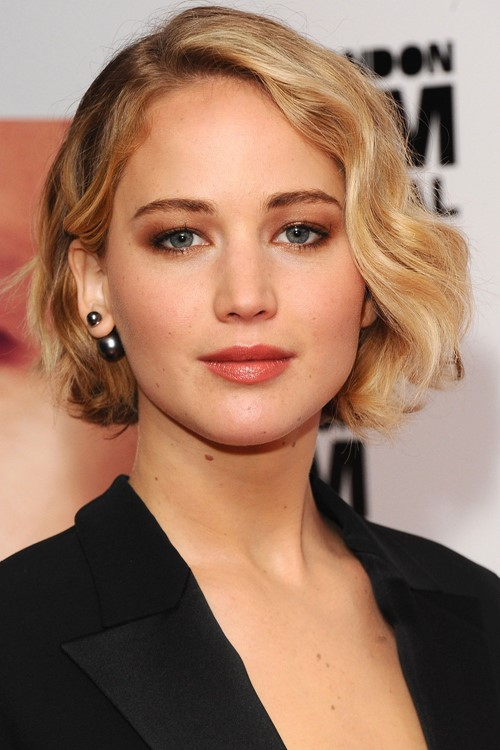 jennifer lawrence soft wavy bob
