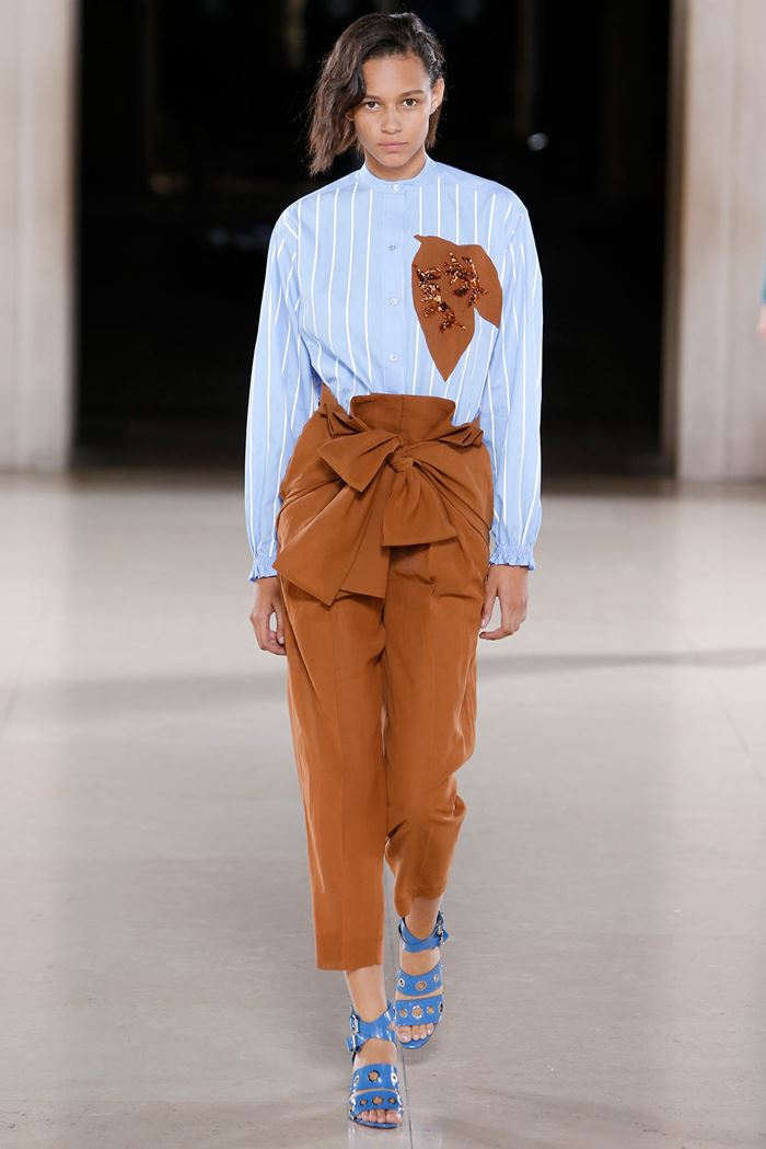 Jonathan Saunders blue striped blouse spring summer 2015