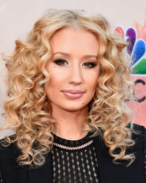 2015 Long Curly Hairstyles: Iggy Azalea