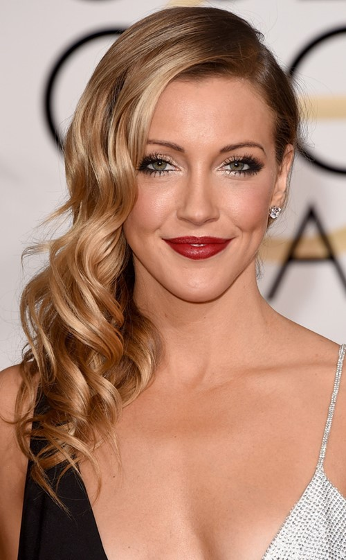 2015 Long Curly Hairstyles: Katie Cassidy