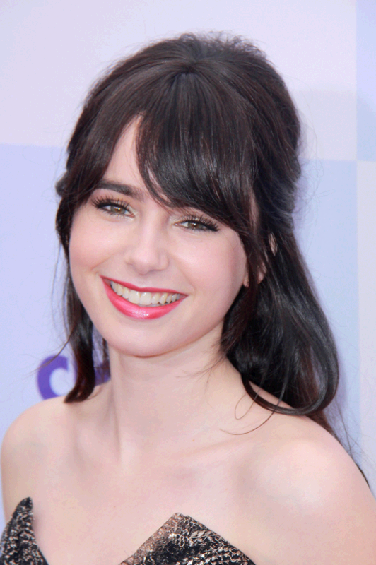 2015 Long Hairstyles with Bangs: Lily Collins