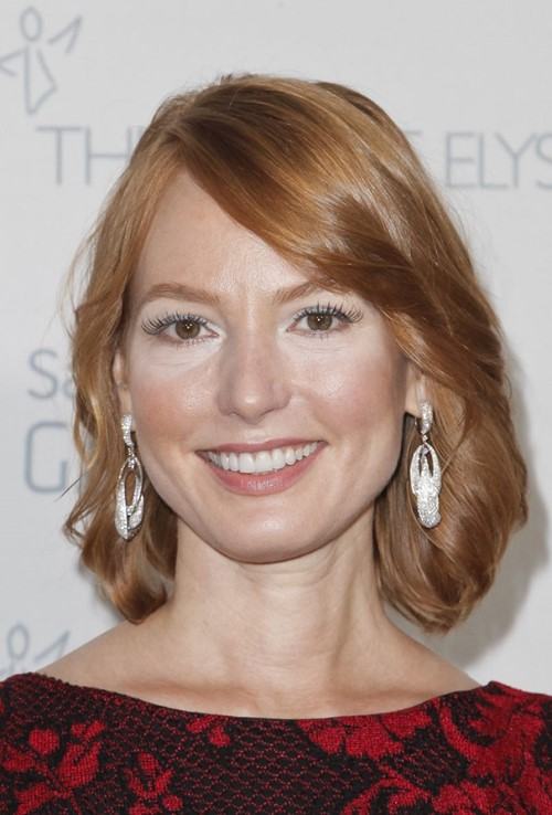 2015 Straight Hairstyles for Work: Alicia Witt