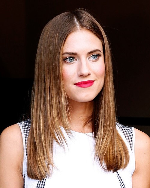 Long Layered Hairstyles 2015: Allison Williams