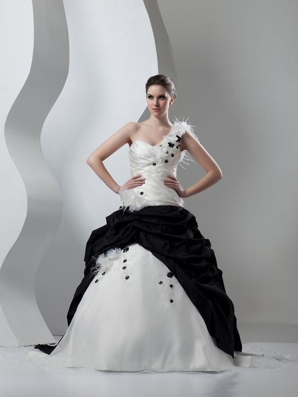 Black and White Wedding Dresses 2015-2016