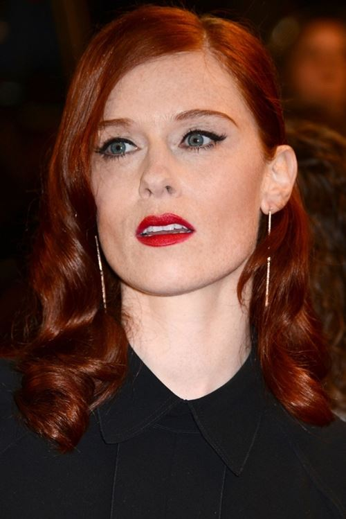 makeup red lips red hair (5)
