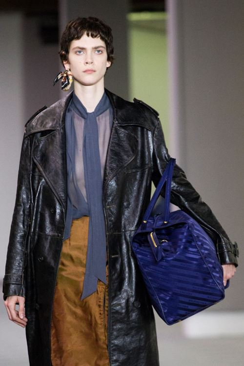 Balenciaga Handbags Fall/Winter 2017-2018 - navy blue sporty bag