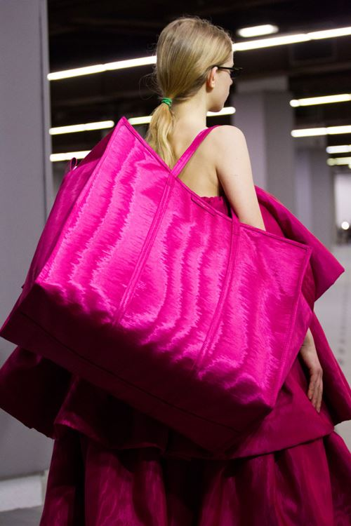 Balenciaga Handbags Fall/Winter 2017-2018 - oversized fucshia tote bag