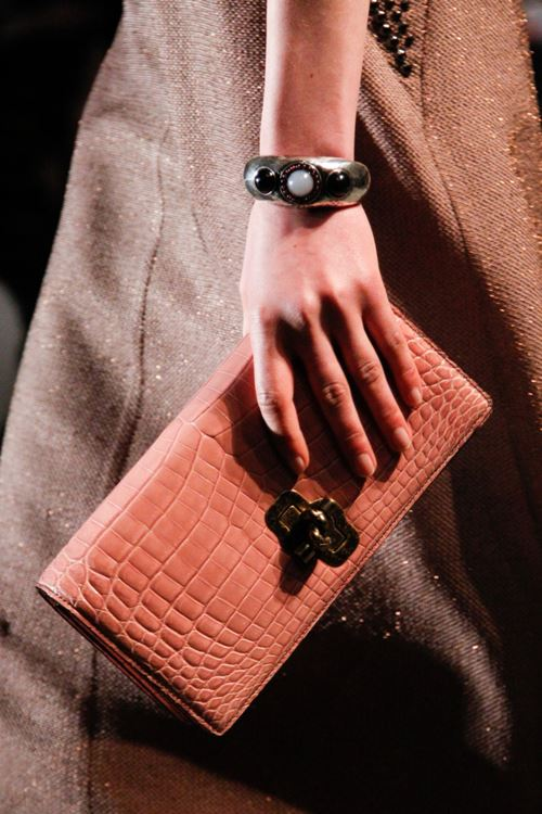 Bottega Veneta Handbags Fall/Winter 2017-2018 - coral peach crocodile leather clutch