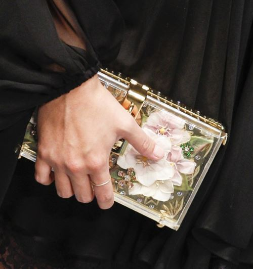 Dolce&Gabbana Handbags & Purses Fall/Winter 2017-2018: smal clutch with floral design