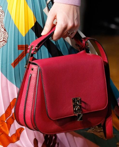 Valentino Bags Fall/Winter 2017-2018: red leather flap handbag