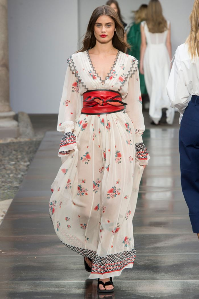 Floral Dresses Spring/Summer 2018 - Philosophy di Lorenzo Serafini white chiffon long sleeve dress with red leather belt