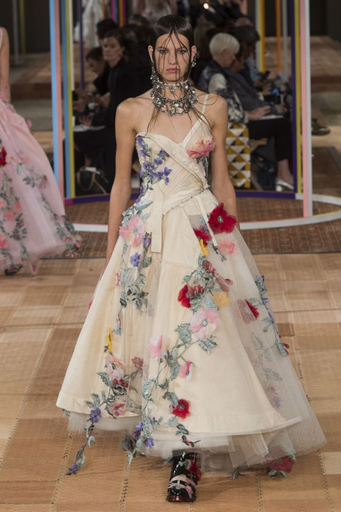 Floral Dresses Spring/Summer 2018 - Alexander McQueen ivory tulle gown with floral appliques