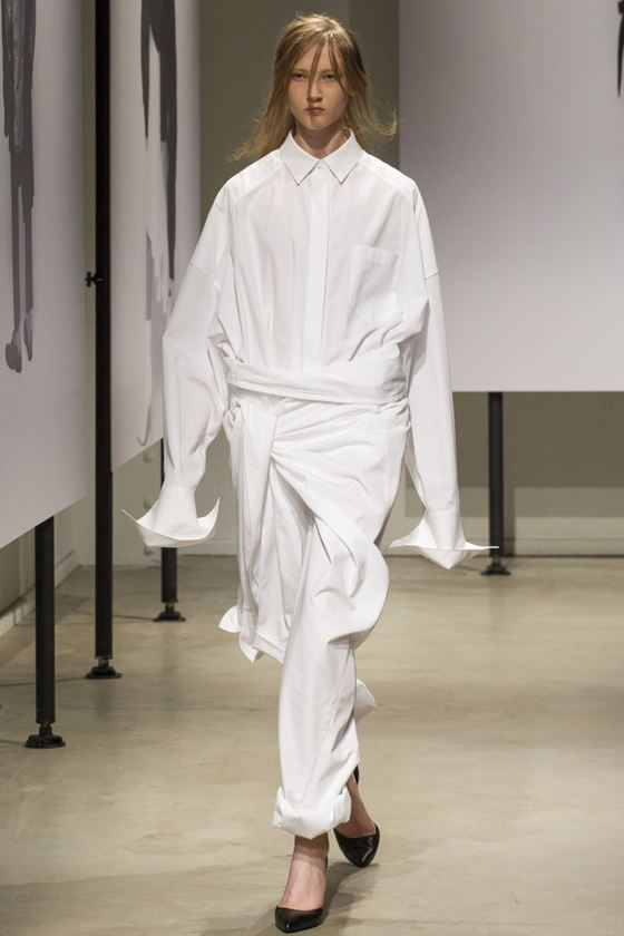 White Shirts & Blouses Spring/Summer 2018 Fashion Trends - Juun J. oversized extra long sleeve shirt